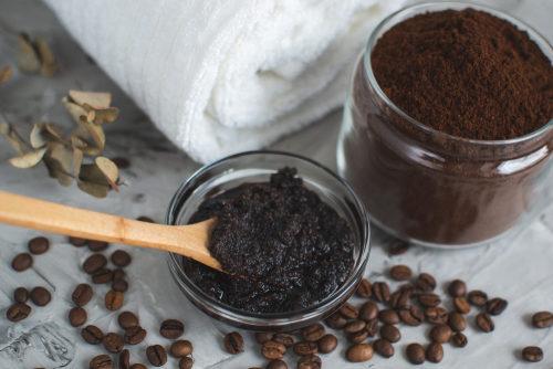 -القهوة-للبشرة-الدهنية.jpg
